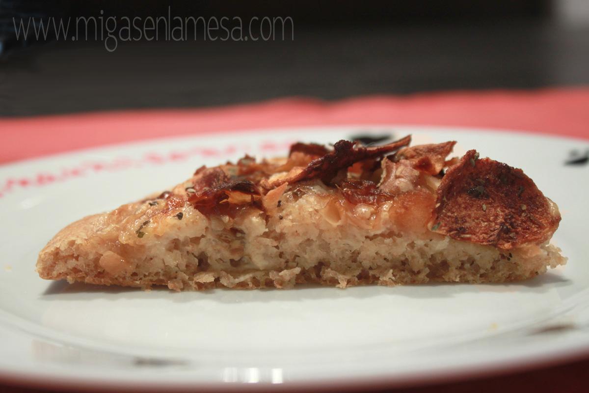 Pizza cebolla manzana nueces 4