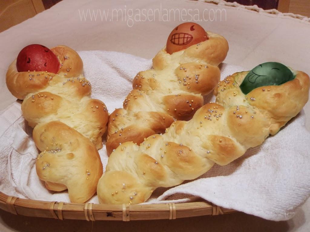 PRIMORSKI USKRSNE BEBE [Muñecas de pan de Pascua]