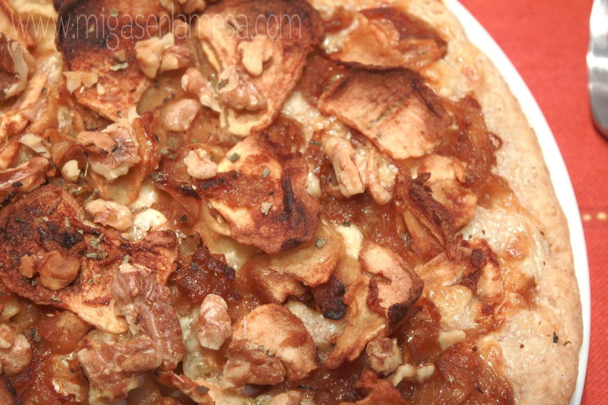 Pizza cebolla manzana nueces 2