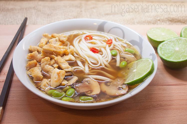 Sopa picante pollo noodles 3